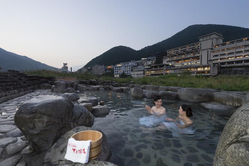 下呂温泉 噴泉池 日本三名泉